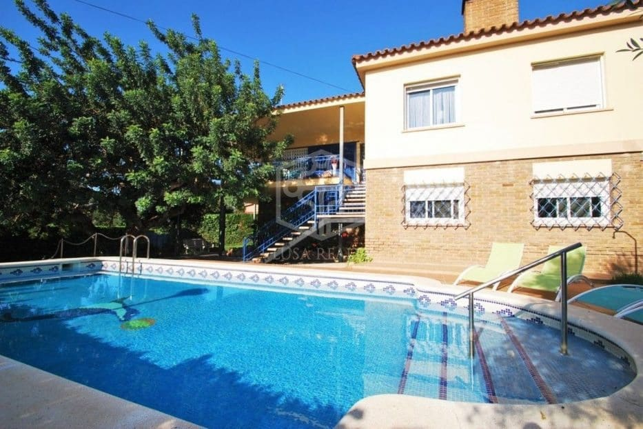 5 bedroom Villa for holiday rental in Calafell with pool garage - € 1,625 (Ref: 5171178)