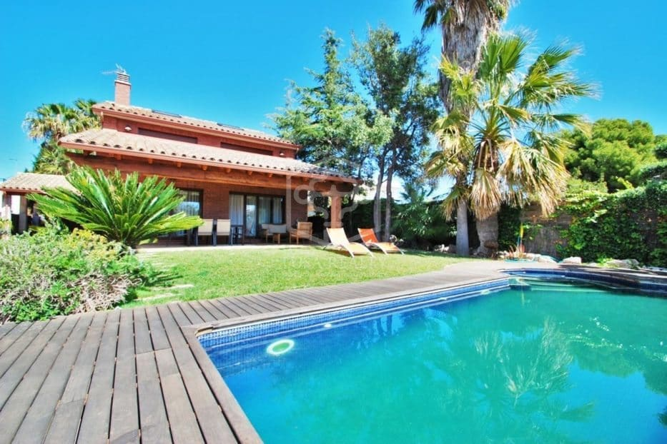 5 bedroom Villa for holiday rental in Calafell with pool garage - € 2,400 (Ref: 5171185)