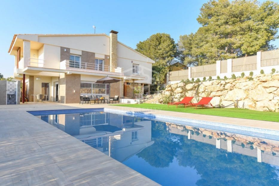5 bedroom Villa for holiday rental in Calafell with pool garage - € 2,500 (Ref: 5171187)