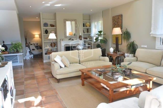 5 sypialnia Willa do wynajęcia w Gava z basenem garażem - 12 000 € (Ref: 5884656)