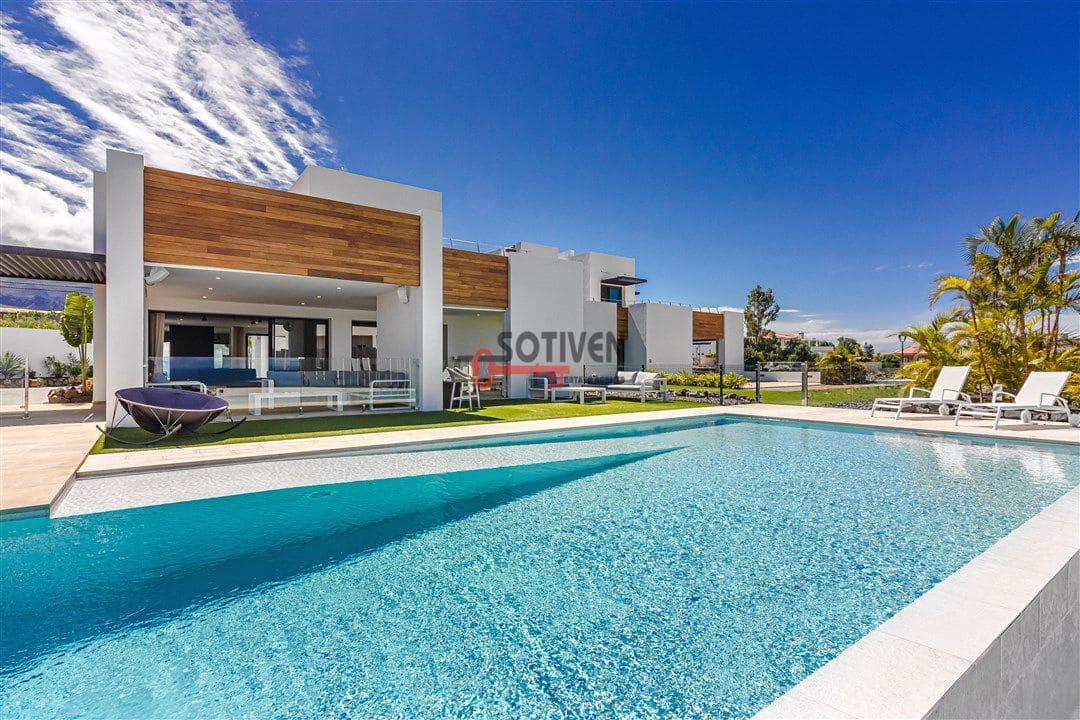 5 chambre Villa/Maison à vendre à Playa Paraiso - 2 800 000 € (Ref: 5983554)