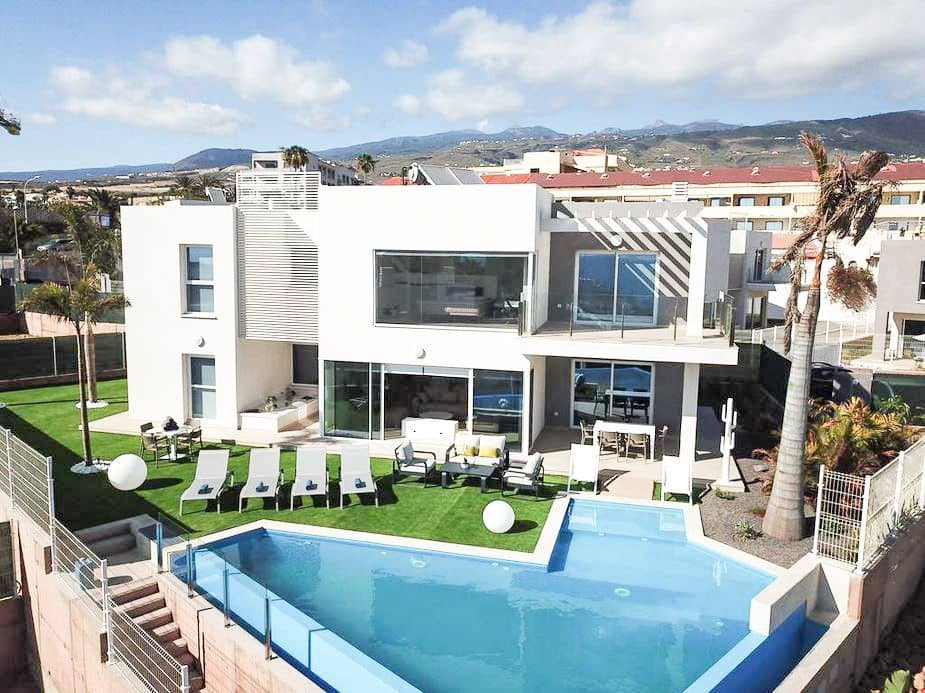 4 bedroom Villa for rent in Playa Paraiso - € 3,850 (Ref: 5983556)