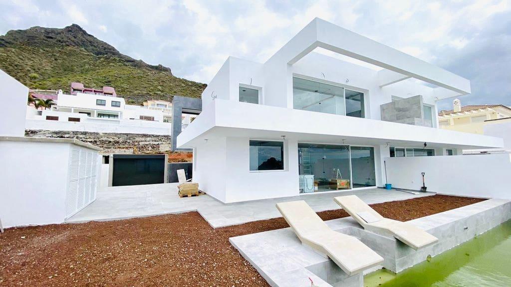 3 bedroom Semi-detached Villa for rent in Roque del Conde - € 3,500 (Ref: 5983581)