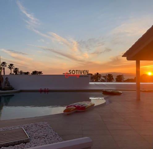 3 sypialnia Willa na sprzedaż w San Eugenio - 835 000 € (Ref: 6054292)