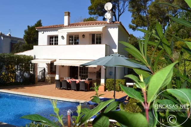 4 bedroom Villa for holiday rental in Tamariu with pool - € 721 (Ref: 4479787)