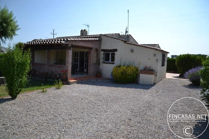 2 bedroom Semi-detached Villa for holiday rental in L'Estartit with pool - € 476 (Ref: 4633432)