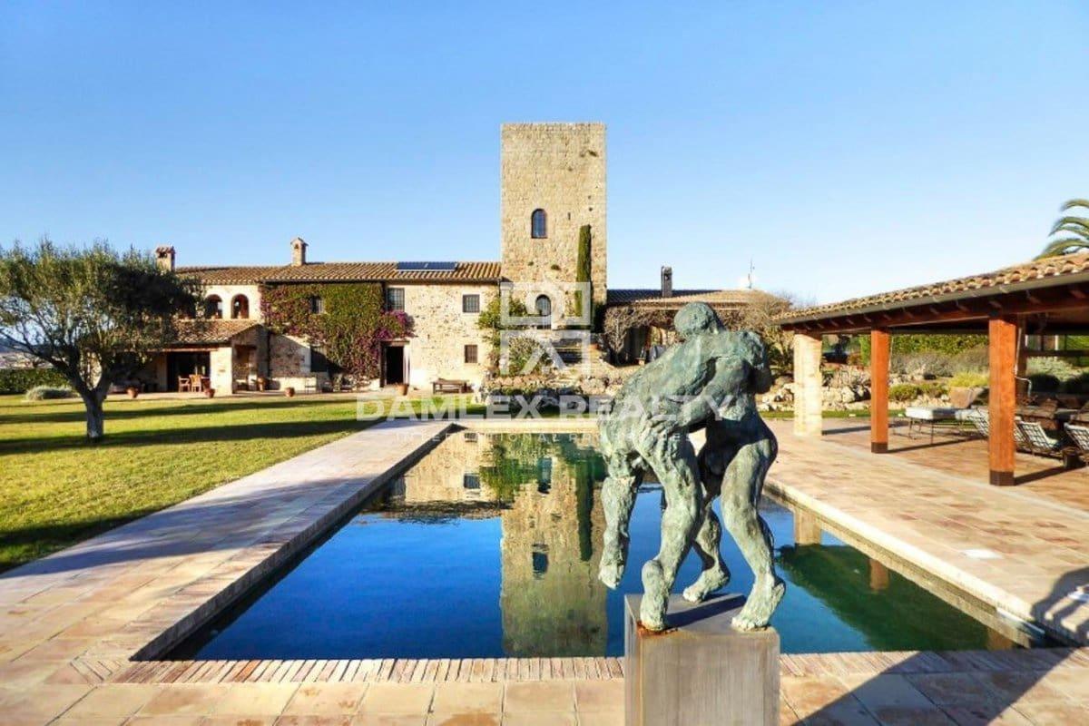 5 soveværelse Villa til salg i Girona by med swimmingpool garage - € 3.500.000 (Ref: 5265880)