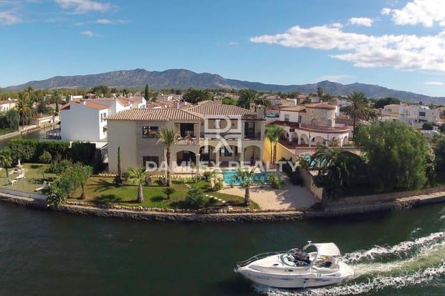 Villa til salgs i Empuriabrava med svømmebasseng garasje - € 2 400 000 (Ref: 5366896)
