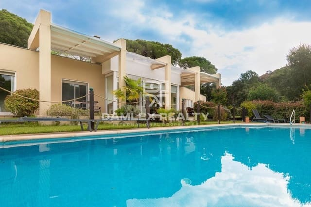 Chalet de 3 habitaciones en Santa Cristina d'Aro en venta con piscina - 650.000 € (Ref: 5654825)