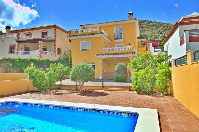Pareado de 3 habitaciones en Coín en venta con piscina - 425.000 € (Ref: 5443062)