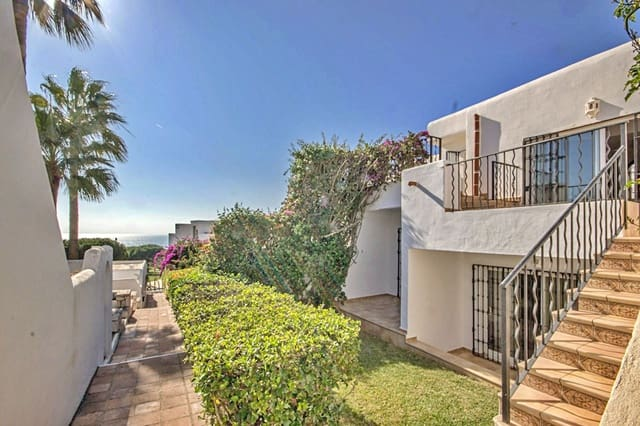 3 bedroom Townhouse for sale in Cabopino with pool - € 320,000 (Ref: 5785513)