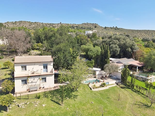 8 bedroom Finca/Country House for sale in Tolox - € 595,000 (Ref: 5970953)