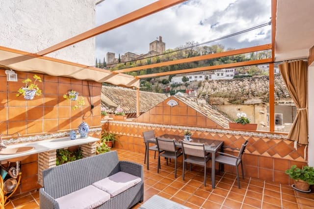 2 bedroom Penthouse for sale in Granada city - € 399,000 (Ref: 5801563)