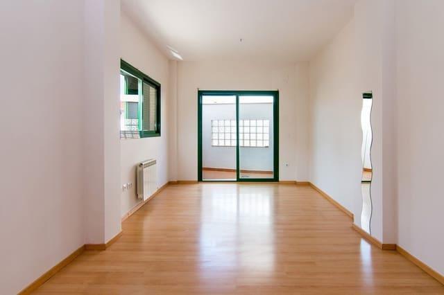 3 soveværelse Lejlighed til salg i Huetor Vega med swimmingpool garage - € 150.000 (Ref: 6007822)