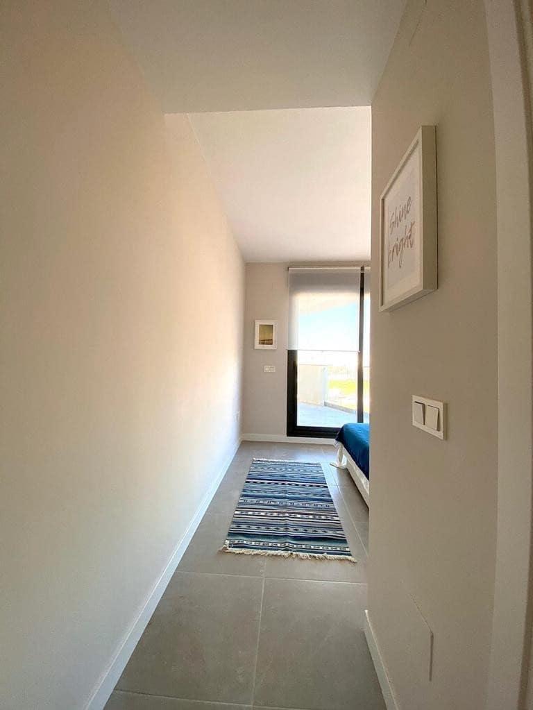 3 sypialnia Penthouse na sprzedaż w Torre del Mar z basenem - 550 000 € (Ref: 6028618)
