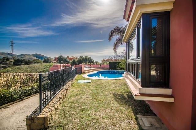 5 bedroom Villa for sale in Las Chapas with pool - € 995,000 (Ref: 6038967)