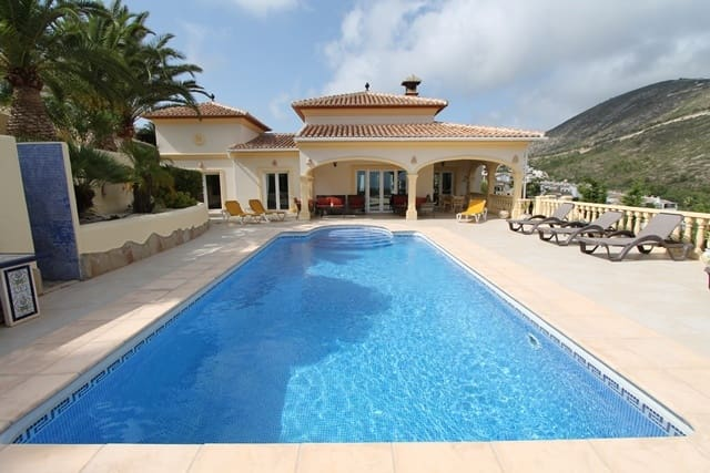 4 Zimmer Ferienvilla in Benitachell / Benitatxell mit Pool - 1.200 € (Ref: 3244235)