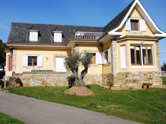 5 chambre Finca/Maison de Campagne à vendre à Navia avec garage - 237 000 € (Ref: 3992837)
