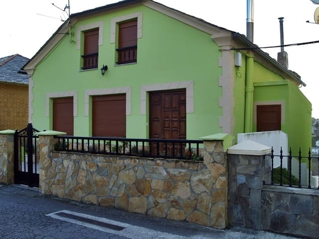 5 quarto Casa em Banda para venda em Coana - 280 000 € (Ref: 4036648)