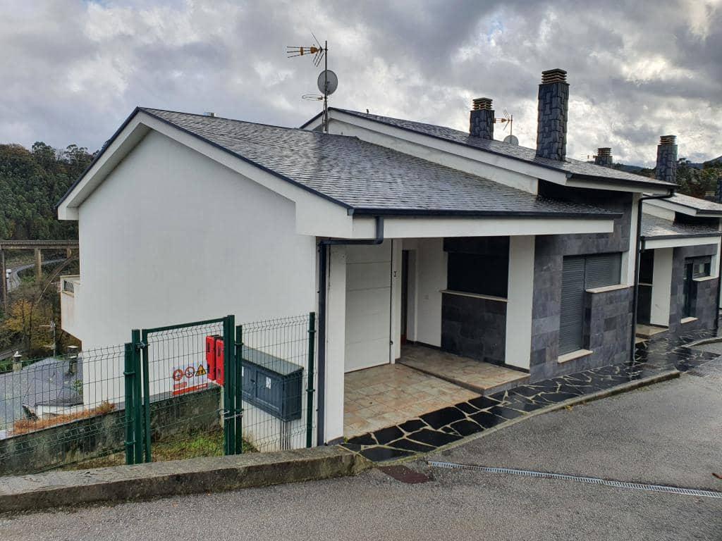 3 quarto Moradia em Banda para venda em Valdes com garagem - 241 000 € (Ref: 5795057)