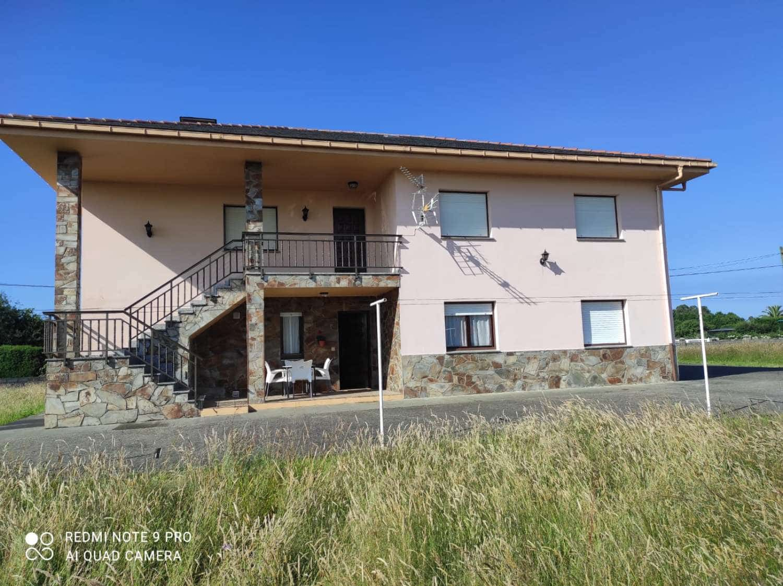 Halfvrijstaande villa voor vakantieverhuur in Coana - € 700 (Ref: 6229647)