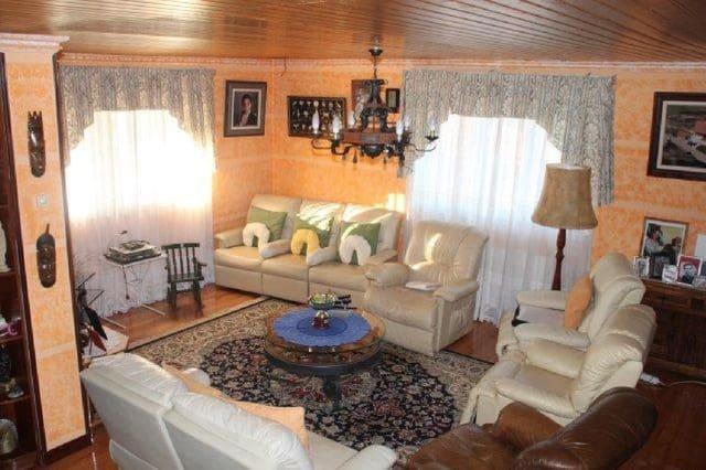 Chalet de 6 habitaciones en Cudon en venta - 475.000 € (Ref: 3109173)