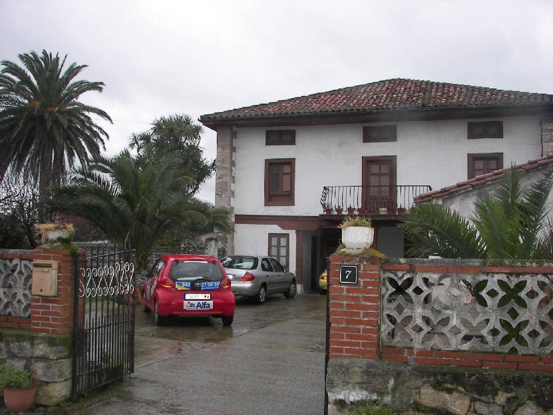 6 bedroom Villa for sale in Hinojedo - € 280,000 (Ref: 3173036)