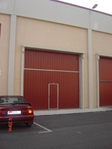 Comercial para venda em Los Corrales de Buelna - 260 000 € (Ref: 3762647)