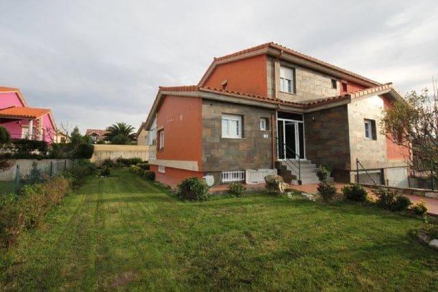 Chalet de 4 habitaciones en Tagle en venta - 350.000 € (Ref: 5674034)