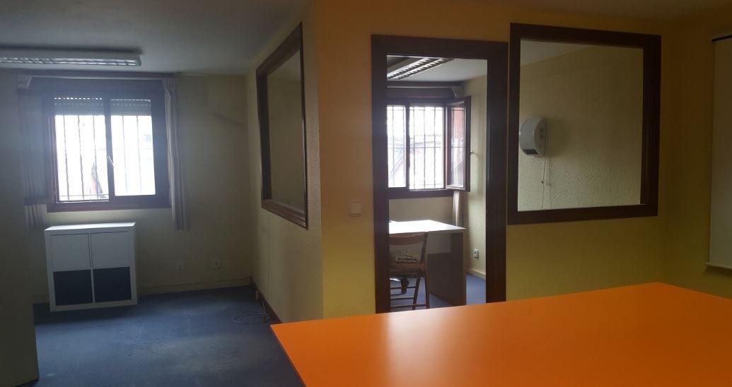 Kantoor te huur in Torrelavega - € 280 (Ref: 3690250)