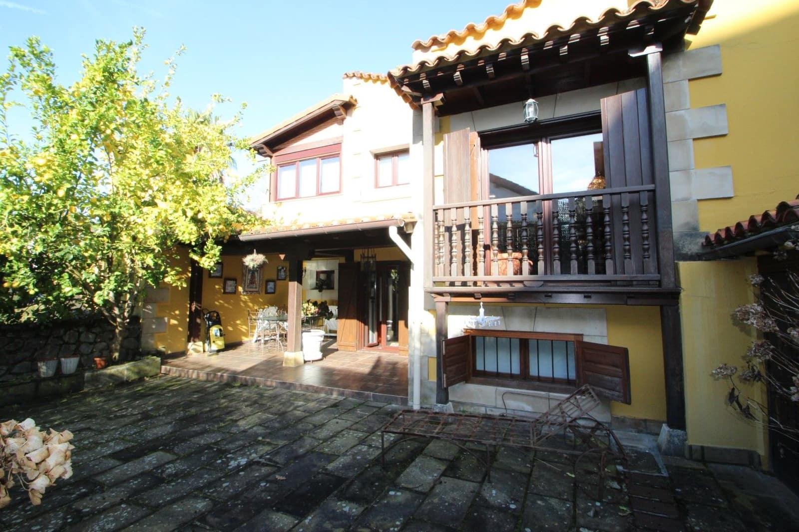 Adosado de 5 habitaciones en Comillas en venta con garaje - 360.000 € (Ref: 5166883)