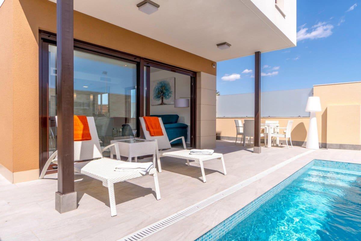 Chalet de 3 habitaciones en Pilar de la Horadada en venta con piscina - 249.000 € (Ref: 4014659)