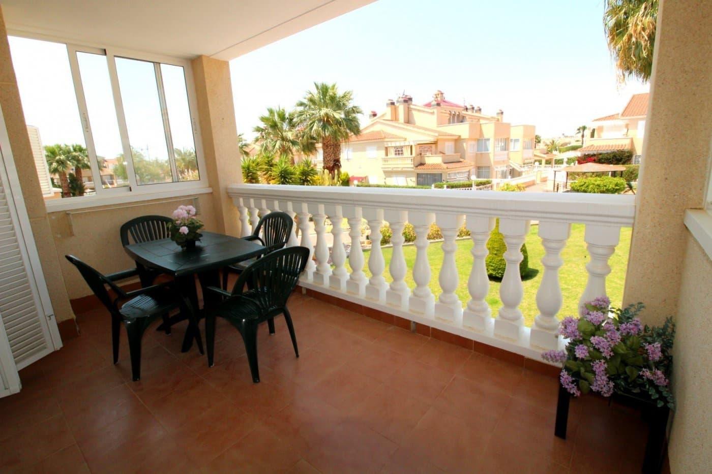 Apartamento de 2 habitaciones en Playa Flamenca en venta con piscina - 135.000 € (Ref: 4448558)