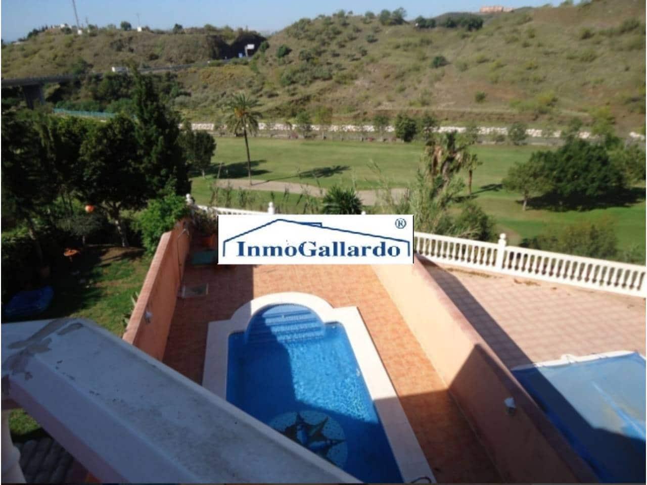 Adosado de 5 habitaciones en Rincón de la Victoria en venta - 392.000 € (Ref: 3721019)