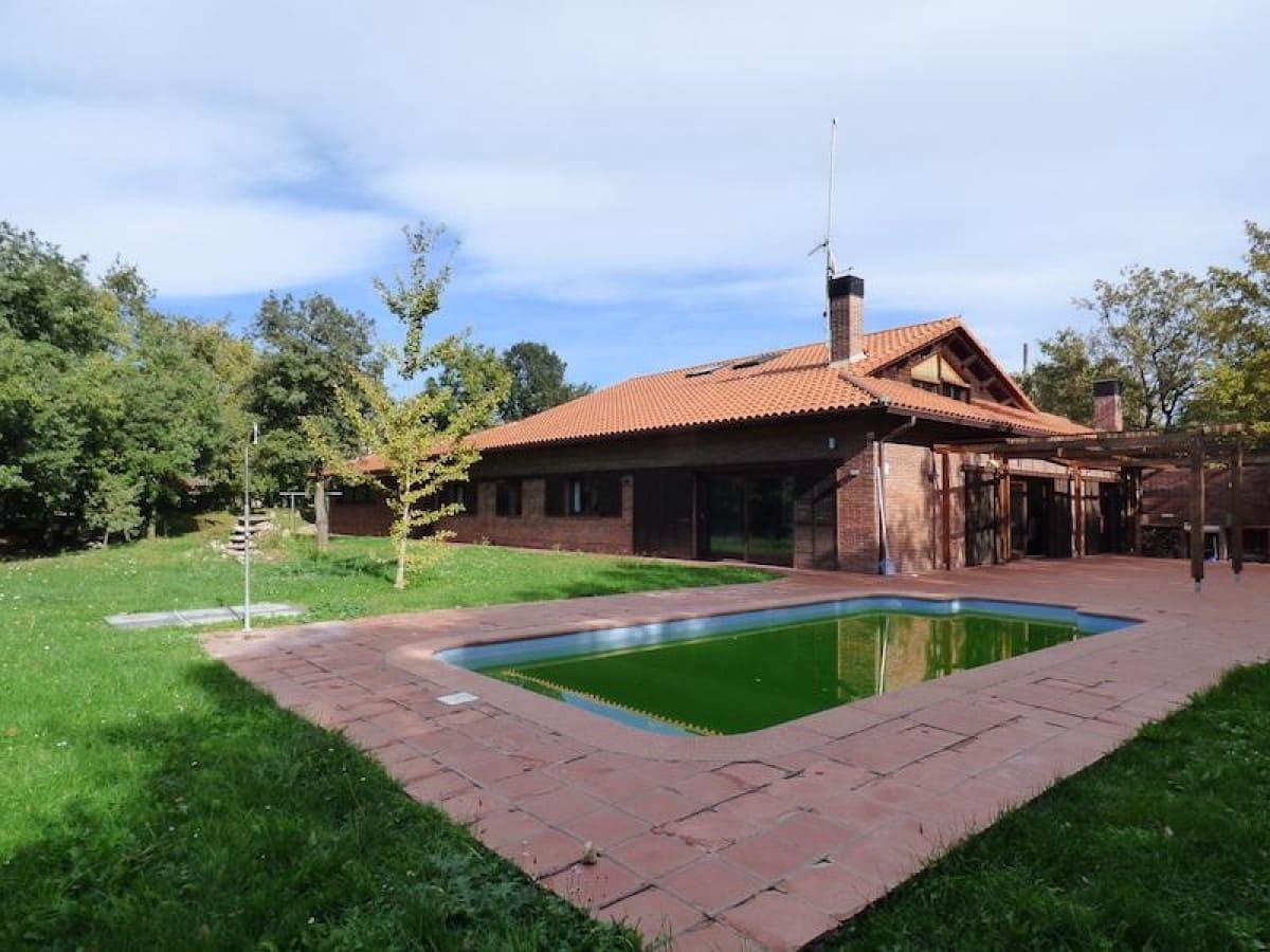 10 soverom Villa til salgs i Castellcir med svømmebasseng garasje - € 690 000 (Ref: 5635143)