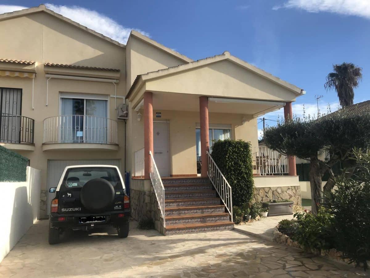Chalet de 4 habitaciones en Les Cases d'Alcanar en venta con garaje - 239.500 € (Ref: 4534604)