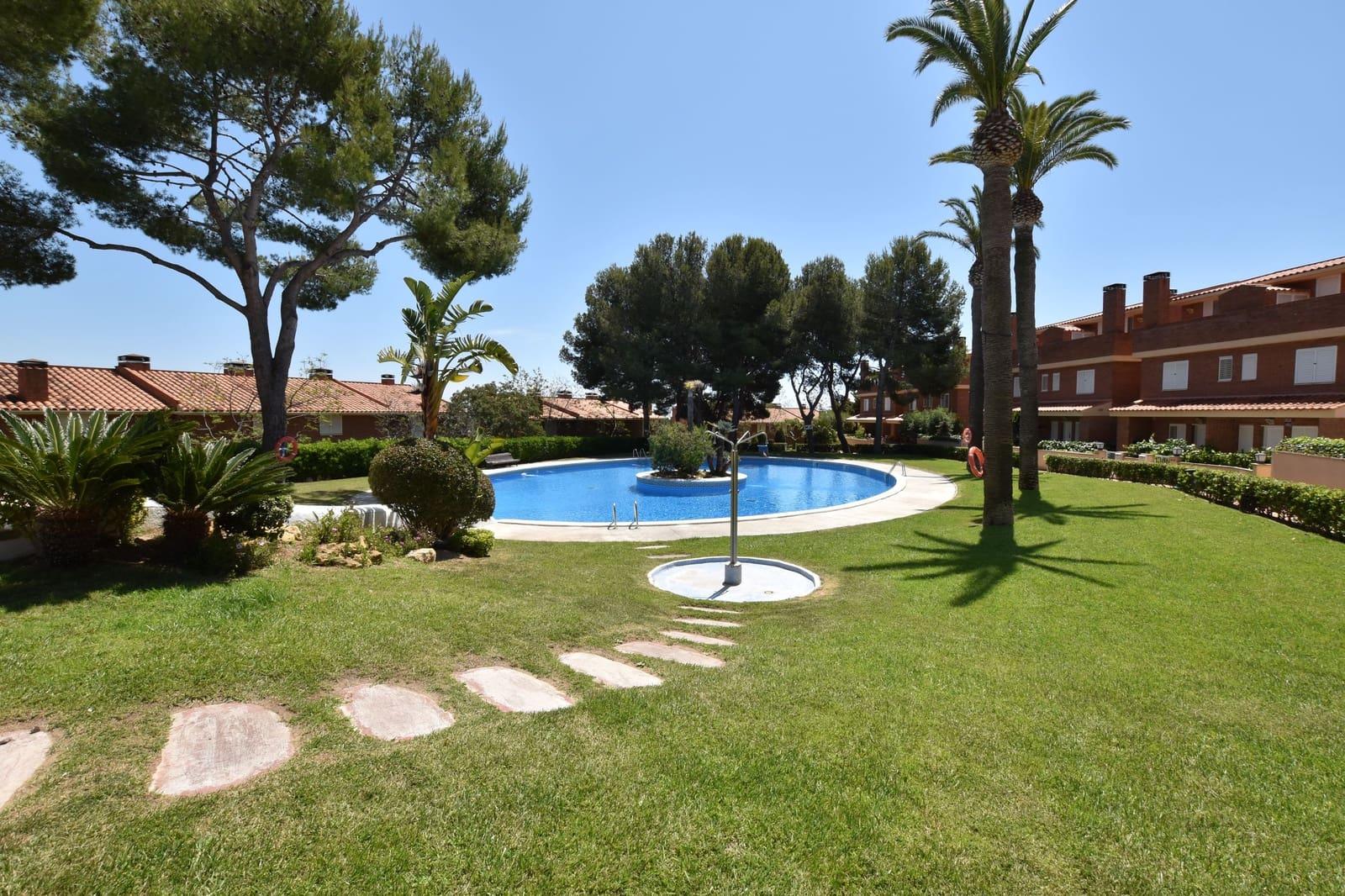 3 soverom Rekkehus til salgs i Tarragona by med svømmebasseng garasje - € 274 000 (Ref: 5693713)