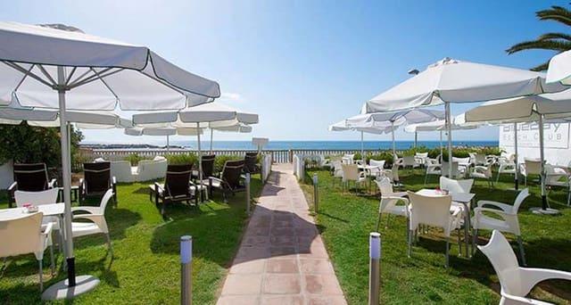 Hotel en Puerto Banus en venta con piscina - 35.000.000 € (Ref: 5764483)