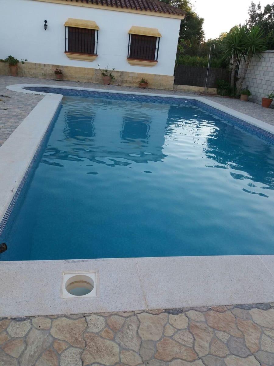 3 slaapkamer Villa voor vakantieverhuur in Benalup met zwembad - € 840 (Ref: 4515207)