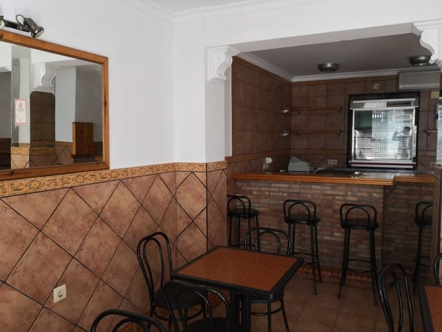 Business for sale in Barbate - € 110,000 (Ref: 4533122)