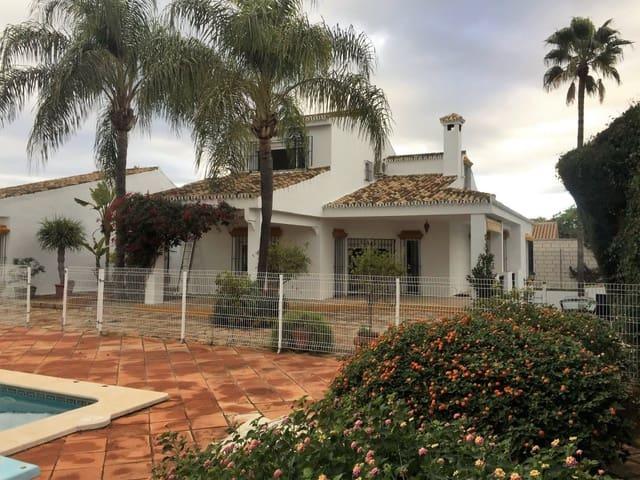 5 soveværelse Villa til salg i Gines med swimmingpool garage - € 750.000 (Ref: 4548339)
