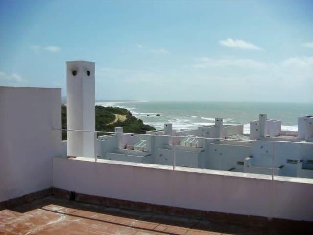 5 sovrum Radhus till salu i Conil de la Frontera med pool - 480 000 € (Ref: 5654484)