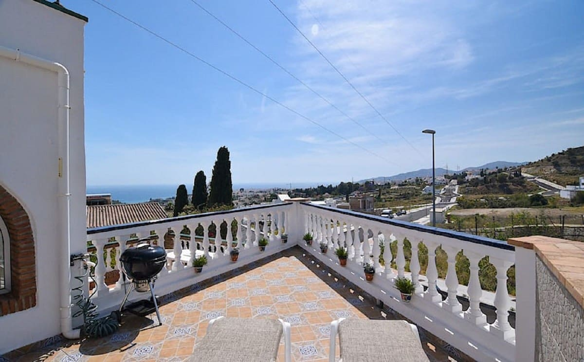 3 bedroom Townhouse for sale in Nerja with pool garage - € 248,000 (Ref: 4824236)