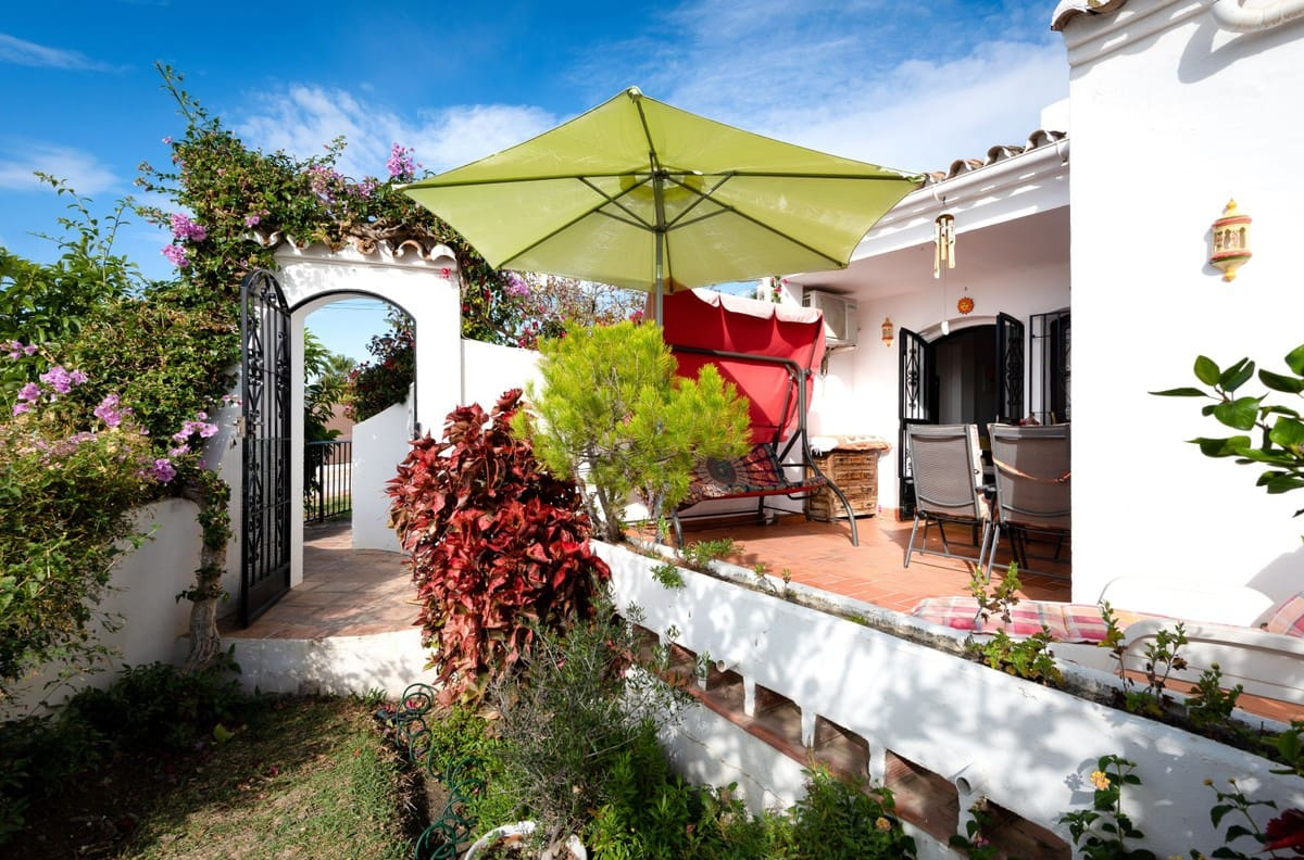 2 bedroom Apartment for sale in Nerja with pool - € 219,000 (Ref: 4890369)