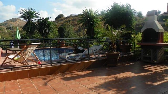 Finca/Casa Rural de 3 habitaciones en Marbella del Este en venta con piscina - 405.000 € (Ref: 2858418)