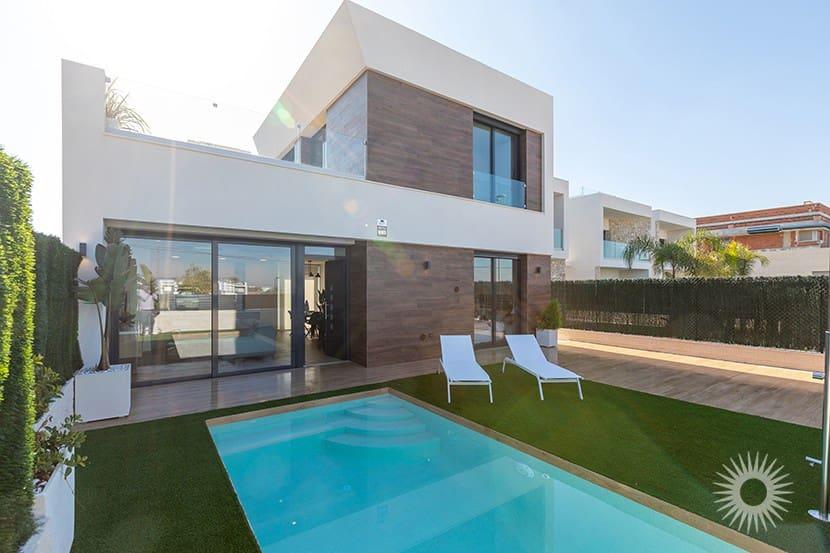 Chalet de 3 habitaciones en Benijófar en venta con piscina - 279.900 € (Ref: 2891441)