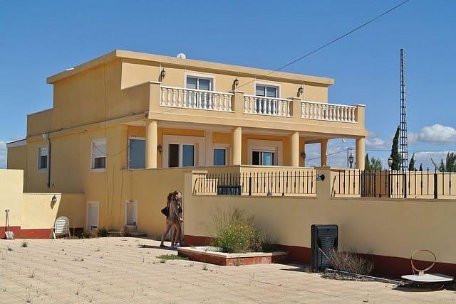 Chalet de 8 habitaciones en Los Montesinos en venta con piscina - 695.000 € (Ref: 3269922)