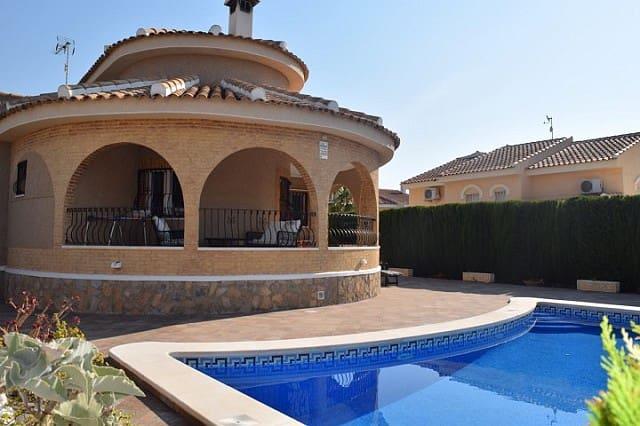 Chalet de 3 habitaciones en Benijófar en venta con piscina - 289.000 € (Ref: 3519281)