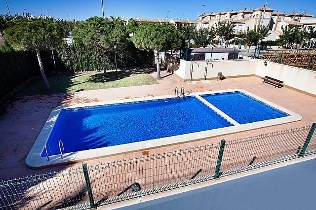 Bungalow de 2 habitaciones en Pilar de la Horadada en venta con piscina - 140.000 € (Ref: 4537864)
