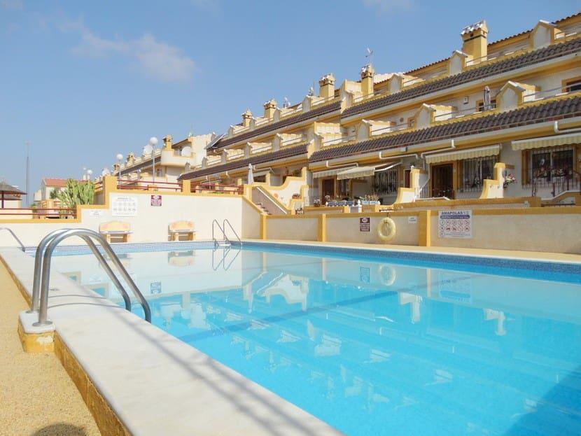 Casa de 3 habitaciones en Playa Flamenca en venta con piscina - 109.999 € (Ref: 4669616)